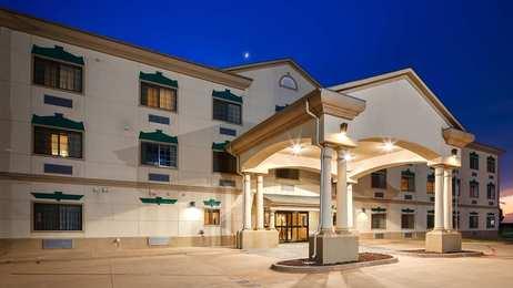 Best Western Henrietta Inn Suites