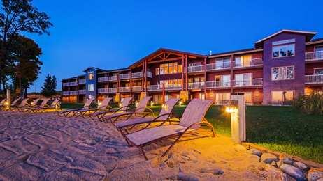 Best Western Premier Lodge On Lake Detroit