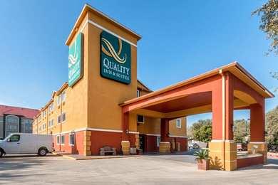 Quality Inn & Suites SeaWorld North San Antonio