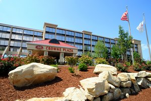 Crowne Plaza Cleveland Airport Hotel Middleburg Heights