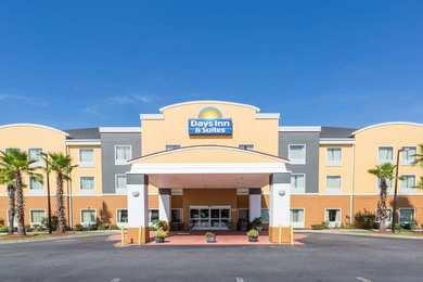 Days Inn & Suites Port Wentworth