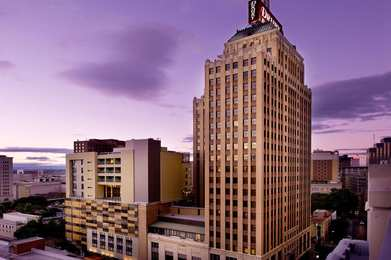 Drury Plaza Hotel Riverwalk San Antonio