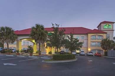La Quinta Inn & Suites Airport Fort Myers