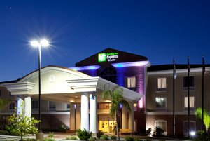 Holiday Inn Express Hotel Suites Spring Hill