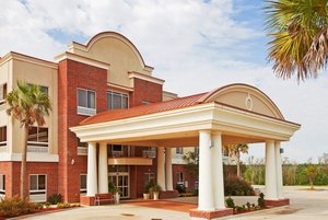 Holiday Inn Express Lucedale