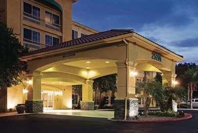 La Quinta Inn Suites Stevenson Ranch