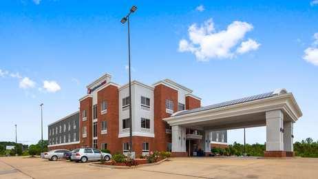 Best Western Plus Philadelphia Choctaw Hotel & Suites
