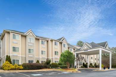 Microtel Inn & Suites by Wyndham North Columbus