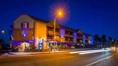 Best Western Harbour Inn Sunset Beach