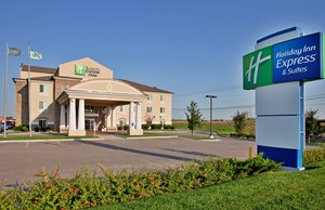 Holiday Inn Express Hotel & Suites Airport Wichita