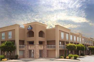 Days Inn & Suites Greenville