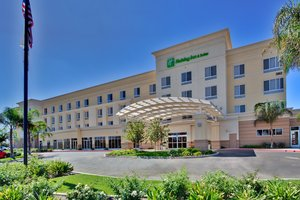 Holiday Inn Hotel & Suites North Bakersfield