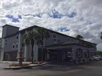 Days Inn Suites Bonita Springs