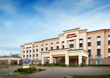 Hampton Inn Suites Aquarium Tulsa