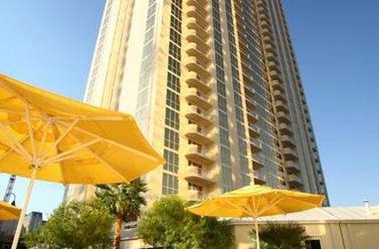 Luxury Suites at the Signature Las Vegas