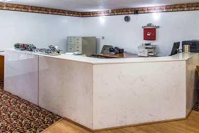 Econo Lodge Inn & Suites Albany