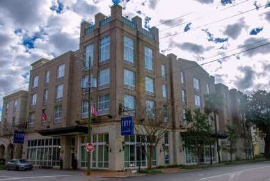 Tryp by Wyndham Hotel Downtown Savannah