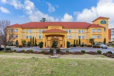 La Quinta Inn Suites Fultondale