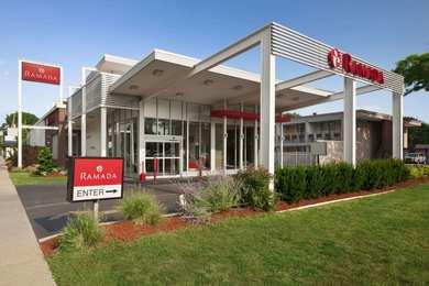 Ramada Inn & Suites Rockville Centre