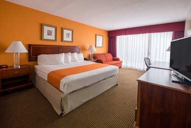 Howard Johnson Hotel & Conference Ctr Fullerton