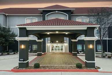 La Quinta Inn Suites Dominion San Antonio