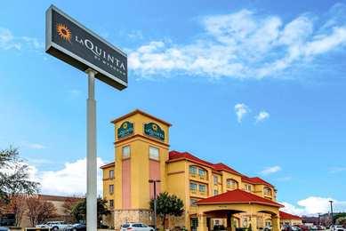 La Quinta Inn Suites Bedford