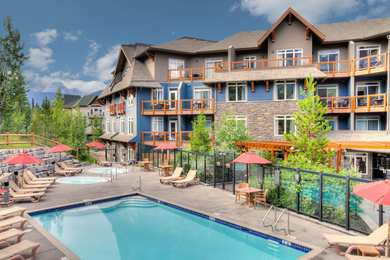 Blackstone Mountain Lodge Canmore