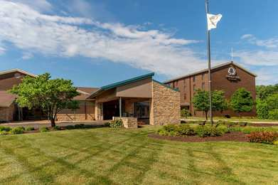 DoubleTree by Hilton Hotel Collinsville