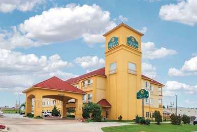 La Quinta Inn & Suites Airport Tulsa