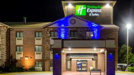Holiday Inn Express Hotel & Suites South Olathe