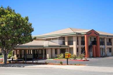 Super 8 Hotel Salinas
