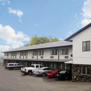 Harlan Inn Suites