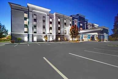 Hampton Inn & Suites I-690 Syracuse