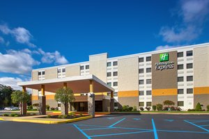 Holiday Inn Express Airport Pittston