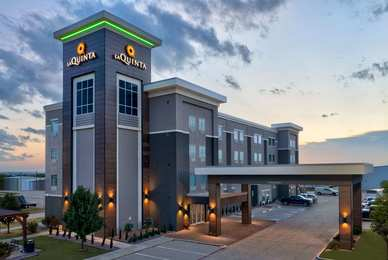 La Quinta Inn & Suites Denton