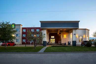 Days Inn & Suites Whitecourt