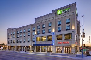 Holiday Inn Express Hotel & Suites Medical Center
