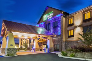 Holiday Inn Express Hotel & Suites North Helena