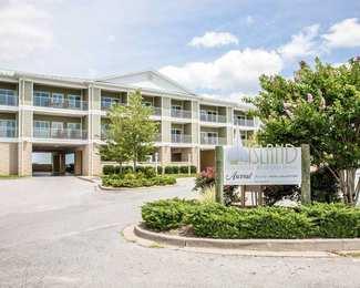 Island Inn & Suites Piney Point