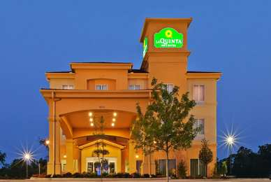 La Quinta Inn Suites Marshall