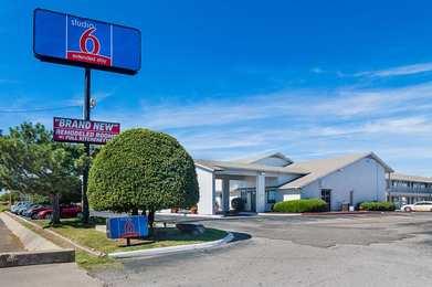 Studio 6 Suites Airport Oklahoma City