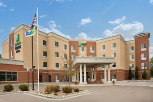 Holiday Inn Express Hotel Suites Thornton
