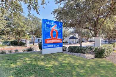 Studio 6 Extended Stay Hotel Midtown Austin