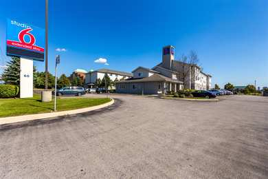 Studio 6 Extended Stay Hotel Mississauga