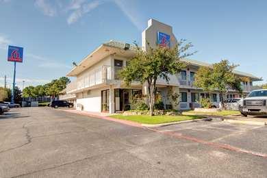 Studio 6 Extended Stay Hotel Dallas Grand Prairie