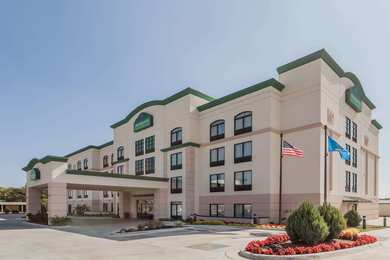Wingate by Wyndham Hotel Tulsa