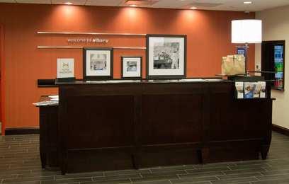 Hampton Inn & Suites Mall Albany