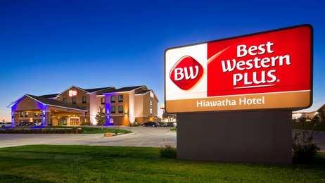 Best Western Plus Hiawatha Hotel