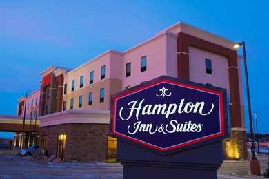 Hampton Inn & Suites Bismarck