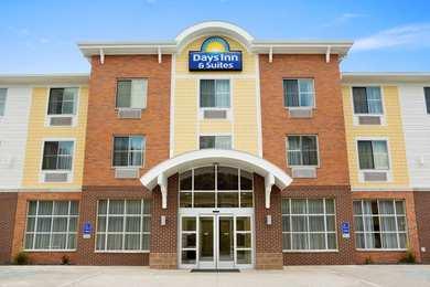 Days Inn & Suites Caldwell